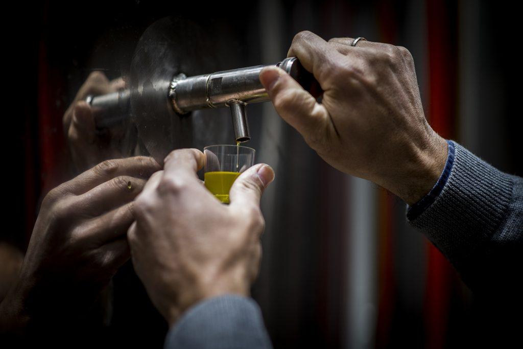 L'huile d'olive à l'abri de la lumière et de la chaleur